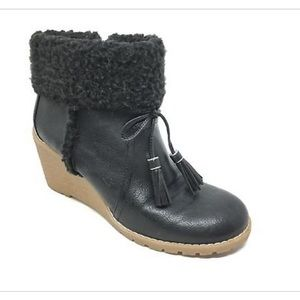 G.H. Bass & Co Carol Fur Booties - Size 9